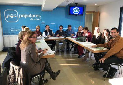 Asfanuca se reúne con representantes del Partido Popular en Jerez